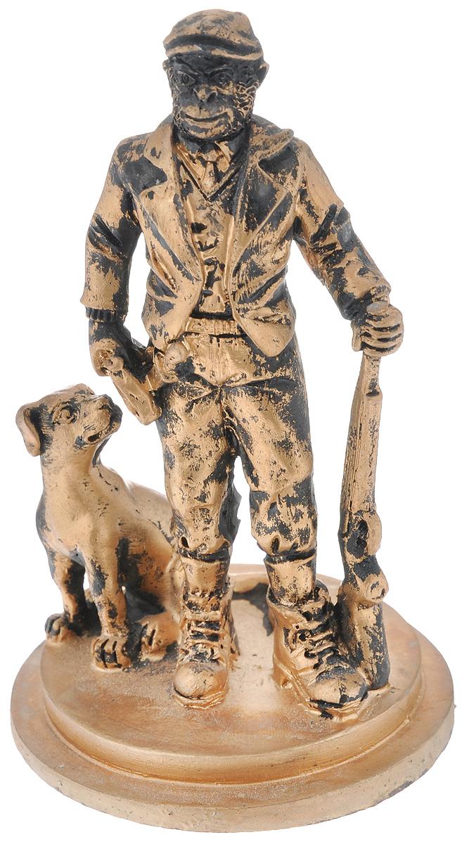 Фигурка декоративная Обезьяна-охотник с собакой, цвет: бронзовый, 7,4 х 7,4 х 12,2 см фигурки pavone фигурка дама с собакой