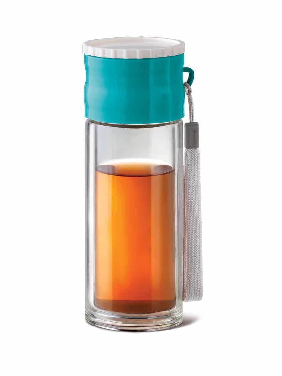 Чайник заварочный Apollo Adventure, с фильтром, 260 млADV-01Заварочный чайник Apollo Adventure выполнен из нержавеющей стали, силикона, стекла и ABS пластика. Изделие прекрасно подходит для заваривания чая, кофе и травяных настоев. Чайник имеет текстильную ручку для удобной переноски. Чай в таком чайнике дольше остается горячим, а полезные и ароматические вещества полностью сохраняются в напитке. Простой и удобный чайник поможет вам приготовить крепкий, ароматный чай.Диаметр по верхнему краю: 6 см.Высота чайника (с учетом крышки): 21,5 см.