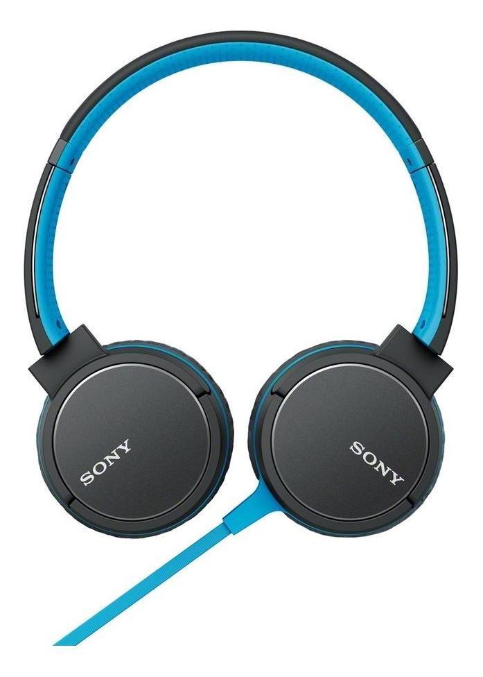 Sony MDR-ZX660AP, Blue наушникиMDRZX660APL.EЛегкие динамические головки с неодимовым магнитом диаметром 40 мм обеспечивают мощное и ритмичноезвучание даже самых сложных для воспроизведения композиций. Благодаря высокочувствительному диффузорувы сможете сделать музыку громче и по-прежнему наслаждаться чистым, ясным звучанием на всем диапазонечастот.Упругий бас благодаря управлению воспроизводимым звуком. Технология управлениядиапазоном воспроизводимых частот обеспечивает точное и глубокое воспроизведение басов, а это именно то,что нужно с учетом ориентированности современных музыкальных стилей на низкие частоты. Вентиляционныеотверстия обеспечивают прохождение воздушного потока, создаваемого низкими частотами, оптимизируяэффективность работы диффузора для точного воспроизведения басов.Меньше спутанных проводов,больше свободы. Плоский односторонний кабель длиной 1,2 м устойчив к спутыванию и образованию узлов иобеспечивает дополнительный комфорт и свободу движений при использовании наушников.Высокаячувствительность для громкого, чистого звучания. Благодаря высокой чувствительности, равной 104 дБ/мВт,наушники с легкостью преобразуют электрические импульсы в звуковой сигнал. Это значит, что вы будетеслышать более громкий звук на всем диапазоне частот (в сравнении с менее чувствительными наушниками) изтого же источника на той же громкости.