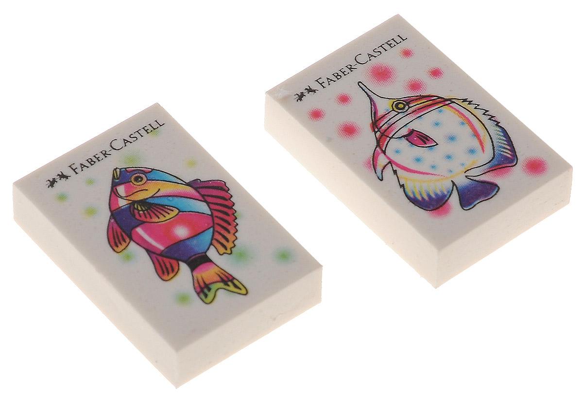 Faber-Castell Ластик Рыбки 2 шт263313Ластик Faber-Castell Рыбкис изображением красивых рыбок несодержит ПВХ, пригоден для графитных простых и цветныхкарандашей.Размеры ластика: 3,5 см х 2,2 см х 0,5 см.В комплекте 2 ластика. Уважаемые клиенты!Обращаем ваше внимание на возможные изменения в дизайнерисунка на ластике, связанные с ассортиментом продукции.Поставка осуществляется в зависимости от наличия на складе.