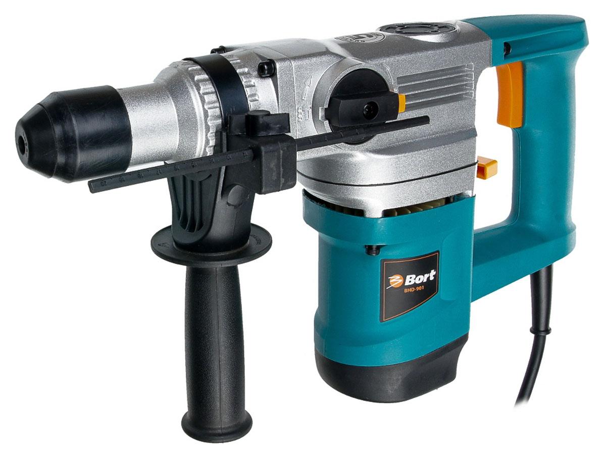 Перфоратор электрический Bort BHD-90198293647Перфоратор Bort BHD-901 сочетает в себе не только вращательные движения (как дрель) но и поступательные, что позволяет ему с легкостью долбить более твердые материалы (бетон, кирпич). BHD-901 - высокомощный перфоратор с возможностью сверления без удара для создания отверстий в дереве, металле, керамике. Надежный ударный механизм обеспечит бесперебойную работу с твердыми материалами. Плавный спуск поможет избежать рывков, обеспечит надежный контроль при исполнении работы и продлит срок эксплуатации электроинструмента.Особенности перфоратора: 3 режима работы.Поддержание постоянной скорости.Регулировка скорости.