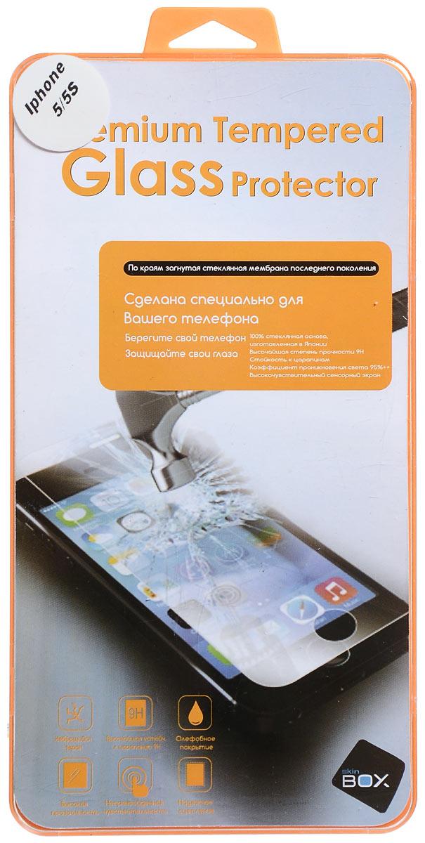 Skinbox защитное стекло для Apple iPhone 5/5s/5c, глянцевоеSP-073Защитное стекло Skinbox для Apple iPhone 5/5s/5c предназначено для защиты поверхности экрана от царапин, потертостей, отпечатков пальцев и прочих следов механического воздействия. Оно имеет окаймляющую загнутую мембрану последнего поколения, а также олеофобное покрытие. Изделие изготовлено из закаленного стекла высшей категории, с высокой чувствительностью и сцеплением с экраном.