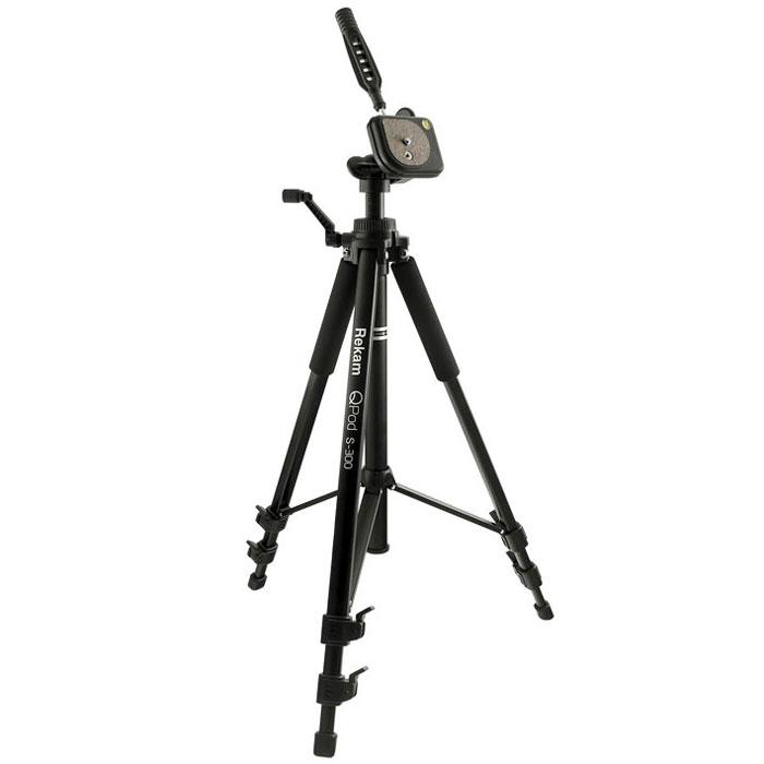 Rekam QPod S-300 штатив1212006723Rekam QPod S-300 – легкий и прочный штатив с 3 секциями ног. По сравнению с предыдущей моделью QPod S-200, это более высокий штатив, рассчитанный на большую нагрузку. Максимальная высота 1350 мм, максимальная нагрузка 2500 г. Панорамная 3-D голова с жидкостным уровнем, управляется и фиксируется при помощи ручки.Быстросъемная площадка с пробковым покрытием, облегчает установку и съемку камеры. Внутренний механизм головы выполнен из металла, что обеспечивает жесткую и надежную фиксацию. Высота центральной колонны меняется при помощи микролифта, выполненного из прочного композитного металла. Перекладины между центральной колонной и опорами упрощают работу со штативом. Высота ног фиксируется удобными вертикальными замками. Резиновые опоры ног помогают избежать скольжения и повышают устойчивость.Специальные мягкие муфты на верхних секциях ног Rekam QPod S-300 обеспечивают комфортный захват и защищают руки фотографа в холодное время года. В комплект входит сумка-чехол с ремнем через плечо, для переноса и хранения штатива.Индивидуальная регулировка высоты ног Сечение ноги: прямоугольное Мягкие муфты Реечный подъемник с фиксатором (с ручкой) Подъемник с фиксатором (без ручки) Наконечники опор: резиновые