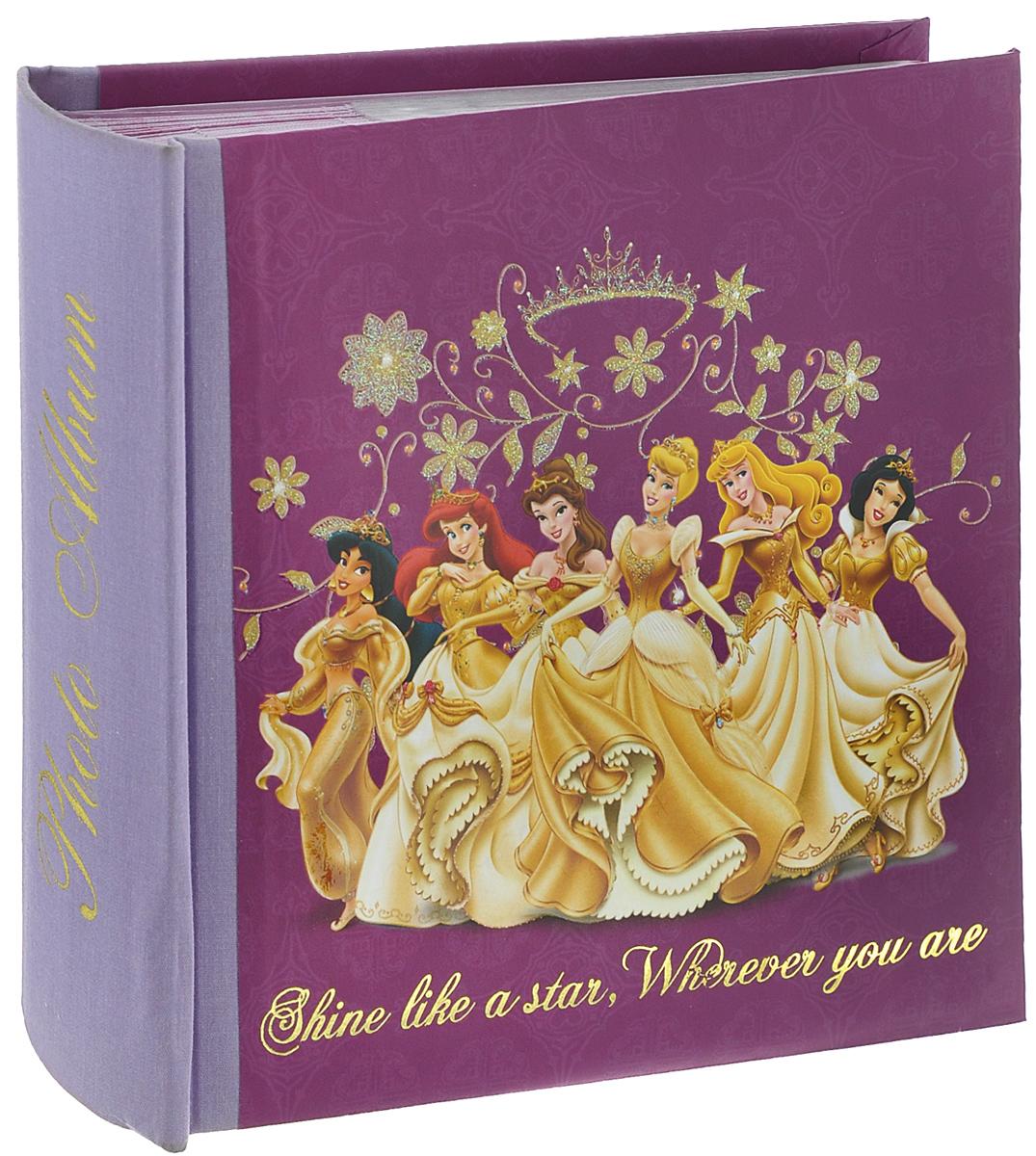 Фотоальбом Pioneer Gold Princess, 100 фотографий, 10 см х 15 см11200Фотоальбом Pioneer Gold Princess поможет красиво оформить ваши фотографии. Обложка, выполненная из толстого картона, оформлена изображением героев из известных мультфильмов. Внутри содержится блок из 50 листов с фиксаторами-окошками из полипропилена. Альбом рассчитан на 100 фотографий формата 10 см х 15 см (по 1 фотографии на странице). Переплет - книжный. Нам всегда так приятно вспоминать о самых счастливых моментах жизни, запечатленных на фотографиях. Поэтому фотоальбом является универсальным подарком к любому празднику.Количество листов: 50.