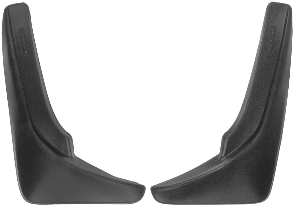 Комплект брызговиков передних L.Locker, для Volkswagen Touareg (10-), 2 шт7001072151Брызговики L.Locker изготовлены из высококачественного полимера. Уникальный состав брызговиков допускает их эксплуатацию в широком диапазоне температур: от -50°С до +80°С. Эффективно защищают кузов автомобиля от грязи и воды - формируют аэродинамический поток воздуха, создаваемый при движении вокруг кузова таким образом, чтобы максимально уменьшить образование грязевой измороси, оседающей на автомобиле. Разработаны индивидуально для каждой модели автомобиля, с эстетической точки зрения брызговики являются завершением колесной арки.Крепления в комплекте.