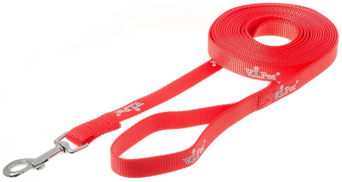 Поводок для собак V.I.Pet, цвет: красный, ширина 20 мм, длина 5 м. 73-086073-0860Поводок с карабином и ручкой. Смягчает рывки и делает комфортным выгул собаки. Материал поводка отличается повышенной прочностью, мало подвержен механическому воздействию, поэтому надолго сохранит аккуратный внешний вид и насыщенность цвета. Вращающийся вертлюг карабина предотвращает перекручивание поводка.Материал: нейлон, сталь. Цвет: красный.