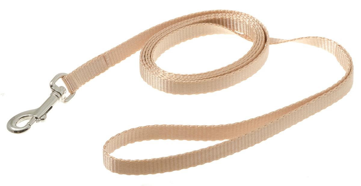 Поводок для собак V.I.Pet, цвет: кэмел, ширина 10 мм, длина 1,5 м73-0928Поводок с карабином V.I.Pet, изготовленный из нейлона, предназначен для выставок и повседневного выгула. Материал поводка отличается повышенной прочностью, мало подвержен механическому воздействию, поэтому надолго сохранит аккуратный внешний вид и насыщенность цвета. Вращающийся вертлюг карабина предотвращает перекручивание поводка.