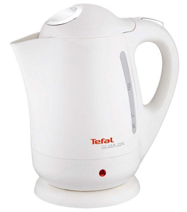 Tefal BF 9251 Silver Ion электрочайникBF 9251 Silver IonПри создании чайника Tefal BF 9251 Silver Ion объемом 1,7 литра была применена технология Microban, при которой ионы серебра интегрируются в пластиковый корпус устройства. Ионы серебра способствуют уничтожению бактерий в процессе кипячения воды, а также в течение 24 часов после использования чайника, что наделяет прибор антибактериальными свойствами. Нагревательный элемент Ultraclean встроен в дно чайника, что обеспечивает высокую скорость нагрева воды, возможность кипячения даже небольшого ее количества и уменьшение образования накипи. Благодаря тому, что нагревательный элемент отполирован, дно чайника остается гладким и блестящим даже после длительной эксплуатации. Для удобства в использовании чайник Tefal BF 9251 Silver Ion оснащен широко открывающейся откидной крышкой, нейлоновым фильтром, предотвращающим попадание в чашку частичек накипи, беспроводной подставкой с поворотом на 360 градусов, двухсторонней шкалой уровня воды и индикатором работы с подсветкой. В целях предотвращения перегрева чайник не включается пустым, а также автоматически отключается при закипании воды и при снятии с подставки.