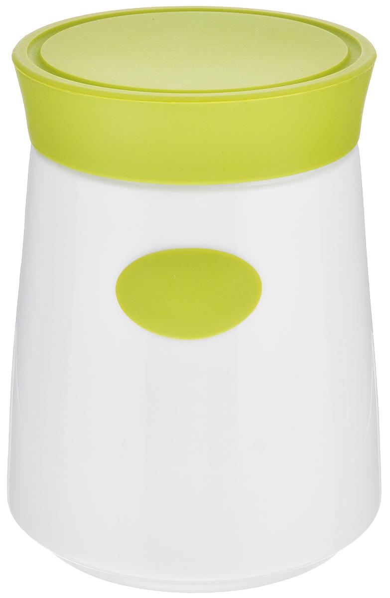 Банка для сыпучих продуктов House & Holder, цвет: белый, зеленый, 1,2 л7D504_зеленыйБанка для сыпучих продуктов House & Holder изготовлена из высококачественной керамики белого цвета. Емкость оснащена плотно закрывающейся цветной силиконовой крышкой, которая предохраняет продукты от влаги и сохраняет их свежими. Изделие прекрасно подходит для хранения макарон, круп, специй, сахара, чая, кофе и других продуктов. Такая емкость станет полезным и функциональным предметом на каждой кухне.Диаметр (по верхнему краю): 10 см.Высота: 16 см.