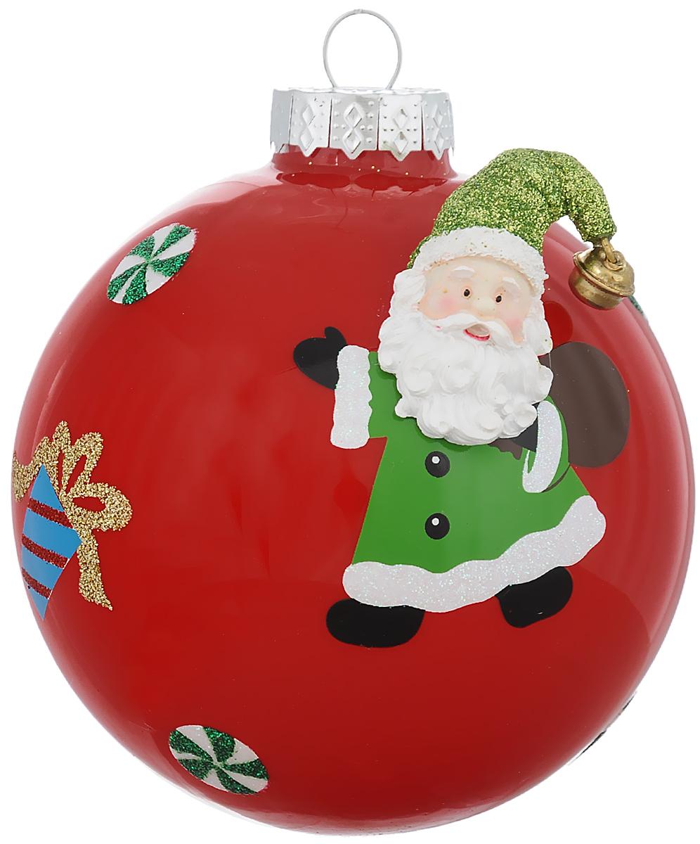 Новогоднее подвесное украшение Its a Happy Day Шар. Дед Мороз с подарком, цвет: красный, зеленый, белый, диаметр 10 см66524Новогоднее подвесное украшение Its a Happy Day Шар. Дед Мороз с подарком выполнено из высококачественного стекла в форме шара и оформлено объемной фигуркой. С помощью специальной петельки украшение можно повесить в любом понравившемся вам месте. Но, конечно, удачнее всего оно будет смотреться на праздничной елке.Елочная игрушка - символ Нового года. Она несет в себе волшебство и красоту праздника. Создайте в своем доме атмосферу веселья и радости, украшая новогоднюю елку нарядными игрушками, которые будут из года в год накапливать теплоту воспоминаний.