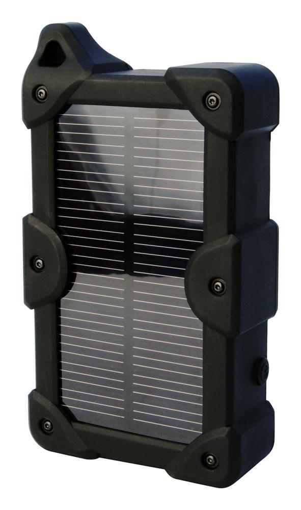IconBit FTBTravel+ портативный аккумуляторFTBTravel+FTB Travel+ это портативный аккумулятор с солнечной панелью и встроенной литий-полимерной батареей 7800мАч, двумя USB выходами, влагозащищенный, пыленепроницаемый, противоударный, имеет встроенный фонарик. Емкости FTB Travel+ достаточно для того чтобы несколько раз полностью зарядить смартфон. Два USB (5V/2.1A) выхода позволяют заряжать два устройства одновременно. Солнечная панель с высокой чувствительностью к свету поможет зарядить телефон на несколько процентов в экстремальной ситуации, когда нужно отправить сообщение или сделать звонок, а поблизости нет ни одной розетки и все аккумуляторы полностью разряжены. Противоударное прорезиненное покрытие защищает устройство от влаги (дождь, брызги), выскальзывания из рук и повреждений, а также смягчает несильные удары. Корпус устройства изготовлен из огнестойкого пластика. Его по достоинству оценят туристы и любители активного отдыха, во время походов устройство можно вешать на рюкзак.
