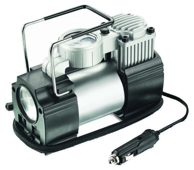 Компрессор автомобильный AVS KE400ELA80977SАвтомобильный компрессор может быть использован для накачки воздухом шин, мячей, матрасов, надувных лодок, проведения покрасочных и других подобных работ. Так же компрессор оборудован фонариком. Напряжение компрессора составляет 12 Вольт, а максимальный ток потребления - 14 Ампер. Максимальное давление - 14 Ампер. Манометр электронный высокоточный.