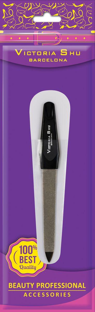 Victoria Shu Пилочка для ногтей из нержавеющей стали с сапфировым напылением F306, 12 г1071V15661Двусторонняя среднезернистая и мелкозернистая пилка (средняя) поможет придать ногтям желаемую форму, обеспечивая аккуратное и чистое опиливание, а также удалить загрязнения под ногтями заостренным кончиком. Износостойкая поверхность пилки служит долго и легко моется. Пилка упакована в удобный футляр, так что вы можете положить ее в сумочку и всегда носить с собой.Как ухаживать за ногтями: советы эксперта. Статья OZON Гид