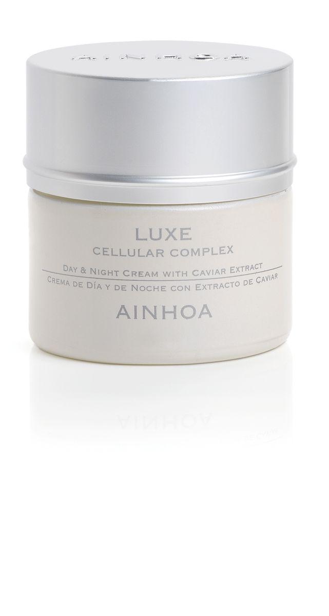 Ainhoa Luxe Питательный лифтинговый крем для лица с экстрактом икры дневной/ночной, 50 млR1900Крем глубоко питает и восстанавливает кожу, обладает лифтинг-эффектом. Подтягивает кожу, уменьшает морщинки и предотвращает появление новых. Масло Ши и масло шиповника в составе глубоко питают и увлажняют кожу.Активные компоненты: экстракт икры, масло соевых бобов, масло ореха макадамия, экстракт шиповника, витамин Е. Способ применения: наносите утром и вечером на очищенную кожу лица и шеи.