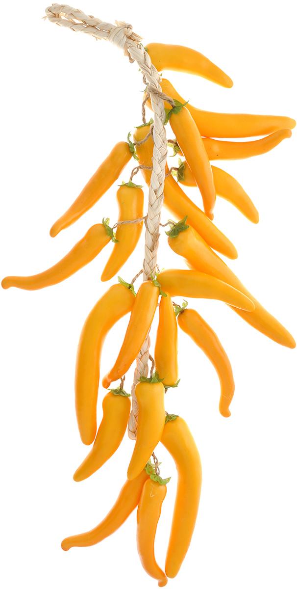 """Муляж """"Перец чили"""" в связке изготовлен из полиуретана, окрашен в естественные цвета. Предназначен для украшения интерьера дома.  Длина связки: 60 см. Длина одного перца: 11 см."""