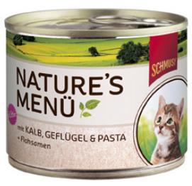 Консервы для котят Schmusy, с телятиной, птицей и лапшой, 190 г70058Полнорационный корм Schmusy из натуральных ингредиентов создан в соответствии с потребностями в питании кошек. Содержит кусочки высококачественного, экологически чистого мяса, а вкусные добавки довершают натуральную рецептуру. Вкуснейшее меню обогащено сбалансированной смесью минеральных веществ, витаминов, таурином, а также рыбьим жиром для здорового роста и развития котенка. Щадящая обработка сохраняет максимум полезных веществ. Не содержит сою, красителей, консервантов. Состав: мясо и мясные субпродукты - 60% (в т.ч. птицы - 20%, телятины - 10%), лапша - 3%, семена подорожника - 0,1%, минералы. Гарантированный анализ: белок - 11%, жир - 6%, клетчатка - 0,5%, зола - 2%, влажность - 80%. Витамины и минералы: витамин D3 - 200 МЕ/кг, витамин E - 20 мг/кг, таурин - 500 мг/кг, медь - 2 мг/кг, марганец - 1,5 мг/кг, цинк - 5 мг/кг, йод - 0,5 мг/кг. Товар сертифицирован.