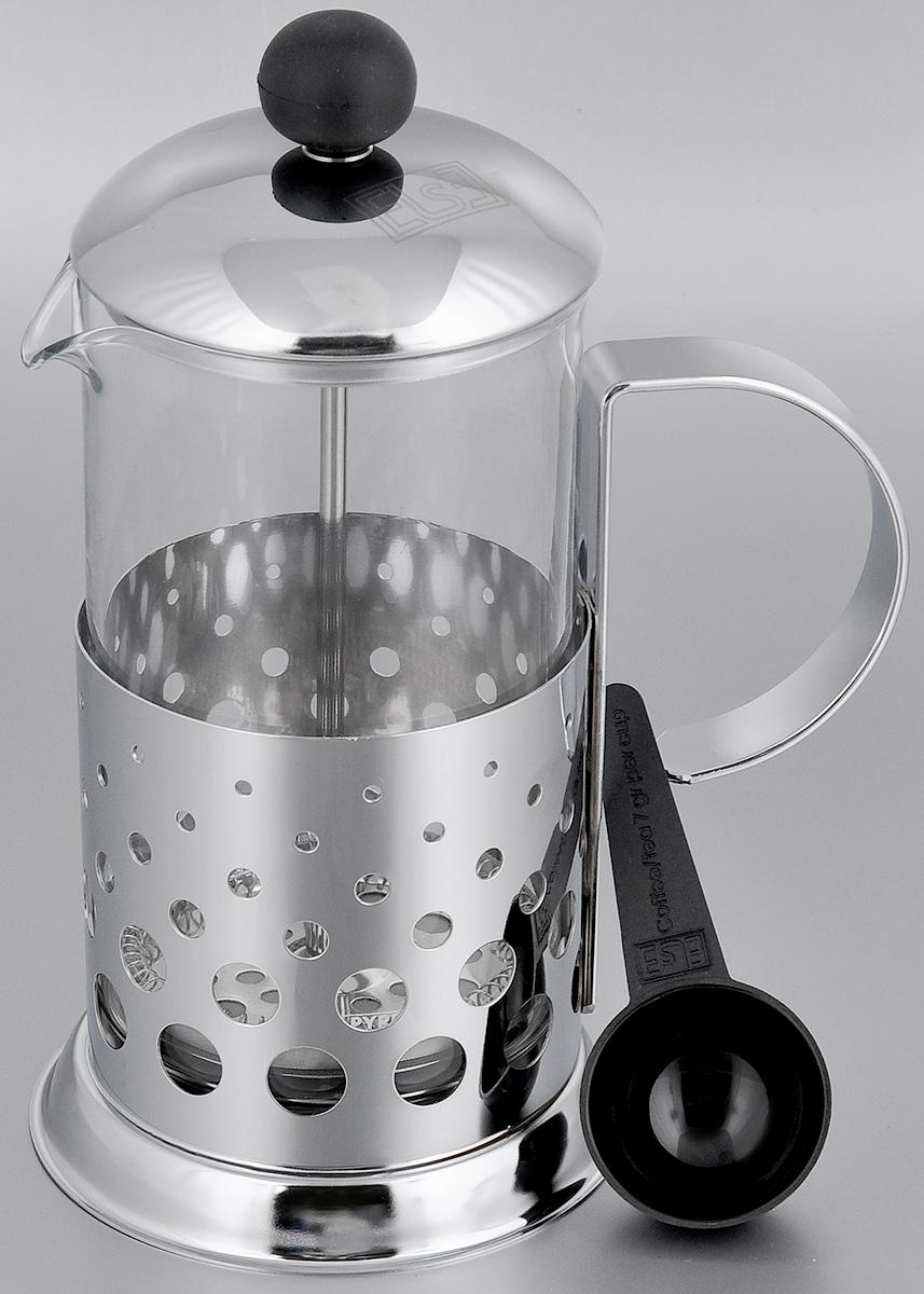 Френч-пресс Else Tokyo, с ложкой, цвет: серебристый, 600 мл1180-4Френч-пресс Else Tokyo поможет приготовить вкусный ароматный чай или кофе. Им очень легко пользоваться: засыпьте внутрь заварку, залейте водой, накройте крышкой с поднятым поршнем, дайте настояться и затем медленно опустите поршень. Таким образом напиток заваривается без чаинок. Колба изготовлена из жаропрочного стекла, устойчивого к царапинам и термошоку. Колба выполнена по технологии антикапля: верхний край и носик имеют специальный усиленный ободок, который препятствует скатыванию капель по наружной стенке чайника. Капля не падает с носика чайника, а втягивается обратно. Корпус френч-пресса выполнен из нержавеющей стали с хромированным покрытием и украшен перфорацией в виде спиралей. Точечная спайка металлических частей производится по технологии invisible, которая делает места соединения деталей незаметными. Полировка с использованием специальных паст на основе натуральных компонентов придает изделию ослепительный блеск. Идеально отшлифованные поверхности и элементы приятны на ощупь, обладают меньшей теплопроводностью и высокими грязеотталкивающими свойствами. Крышка френч-пресса изнутри покрыта пищевым нетоксичным пластиком. Это соответствует гигиеническим требованиям, способствует сохранению тепла и препятствует чрезмерному нагреву самой крышки. В комплект входит мерная ложка. Диаметр колбы: 9 см. Высота френч-пресса: 21 см. Диаметр основания френч-пресса: 11 см. Длина ложки: 10 см.