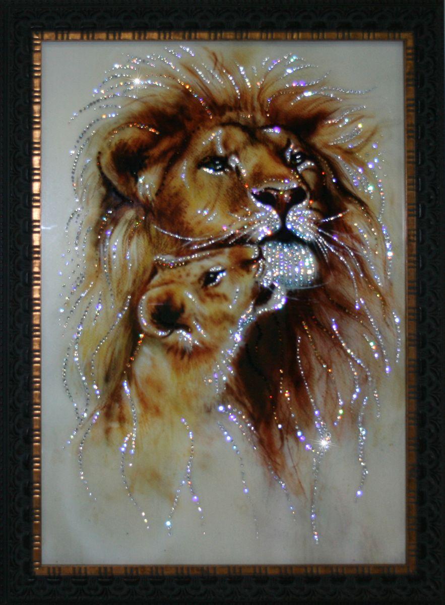 1723 Картина Сваровски Король Лев1723Картина в багете, инкрустированная кристалами сваровски