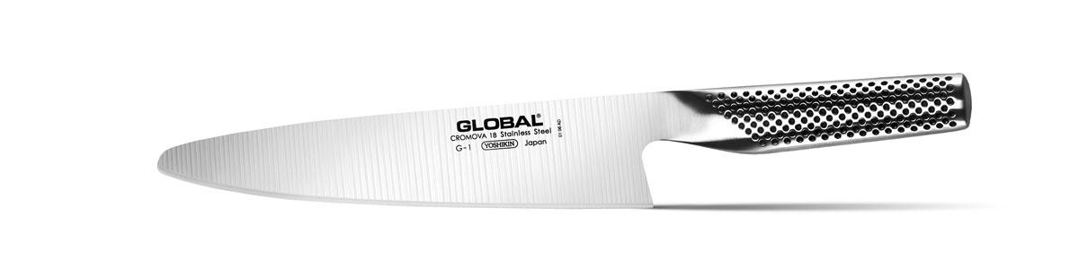 Нож для мяса Global, длина лезвия 21 смG-1Бренд Global выбор многих поваров со всего мира, ножи этого производителя известны своей универсальностью и исключительной ловкостью.Отличительной чертой японских ножей Global являются их рукоятки и уникальная бесшовная конструкция. Рукоятки и лезвия изготовлены из одного, цельного полотна нержавеющей стали, что делает ножи максимально гигиеничными и прочными. На них не скапливается грязь, и их очень легко мыть. Покрытие рукоятки специальными ямочками-впадинами, обеспечивает удобный и надежный захват.Лезвие изготовлено из специального материала Cromova 18 Sanso, который состоит из трех слоев нержавеющей стали (центрального и двух боковых). Центральный слой режущей поверхности сделан из нержавеющей стали Cromova 18 (хром, молибден, ванадий) с твердостью по шкале Роквелла 58-59 единиц и заточен к острому краю, что дает удивительные результаты при резке. Этот слой заключен между двумя боковыми слоями более мягкой нержавеющей стали SUS 410, что помогает защитить лезвие от скалывания и коррозии. Еще одной важной отличительной характеристикой ножа является его идеальная балансировка. Полая ручка ножа заполнена песком, количество которого точно рассчитано, чтобы обеспечить наиболее оптимальное соотношение веса лезвия и рукоятки. Этот метод позволяет добиться максимально точной балансировки.Не рекомендуется использование в посудомоечной машине.