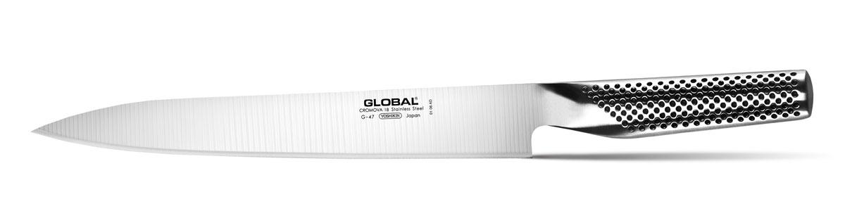Нож для мяса Global Sashimi-Yo Slicer, длина лезвия 25 смG-47Нож Global прекрасно подходит для быстрой и удобной нарезки мяса. Лезвие ножа и рукоятка выполнены из одного, цельного полотна нержавеющей стали, что делает этот нож максимально гигиеничным и прочным. На нем не скапливается грязь, и его очень легко мыть. Еще одной важной отличительной характеристикой ножа является его идеальная балансировка. Полая ручка ножа заполнена песком, количество которого точно рассчитано, чтобы обеспечить наиболее оптимальное соотношение веса лезвия и рукоятки. Этот метод позволяет добиться максимально точной балансировки.Общая длина ножа: 37,5 см.