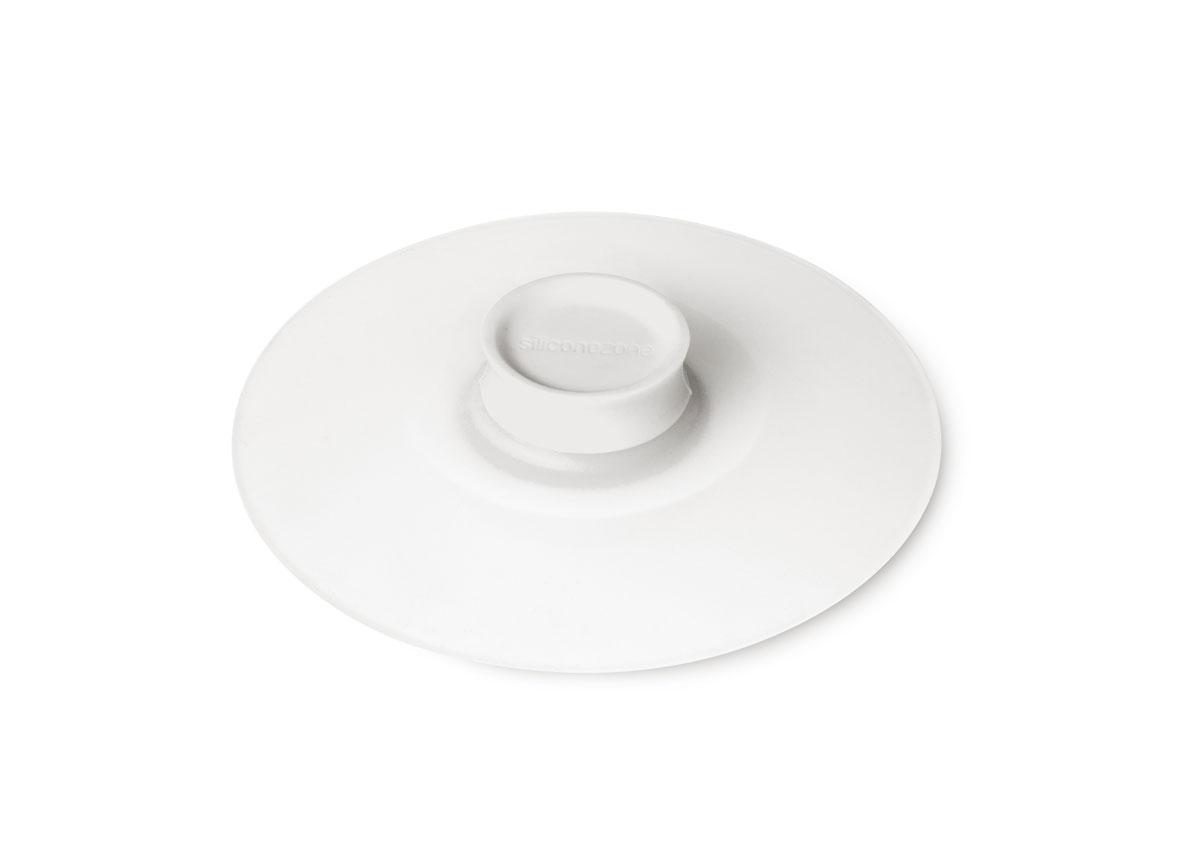 Крышка для заваривания чая Siliconezone, цвет: белый, диаметр 10,5 смSZ11-KS-11602-ADКрышка Siliconezone изготовлена из гибкого и прозрачного силикона. Она предназначена для герметичного закрытия любой посуды диаметром до 10 см. Крышка идеально подходит для заваривания чая, сохраняя его стойкий аромат и насыщенный вкус. С помощью нее вы также можете аккуратно достать чайный пакетик. Размер крышки: 10,5 см х 10,5 см х 2,5 см.