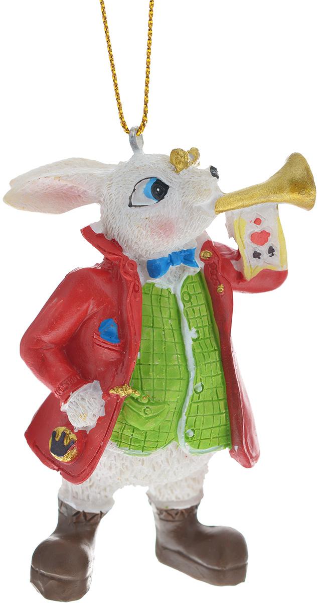 Новогоднее подвесное украшение Феникс-презент Кролик с трубой38263Изящное новогоднее украшение Феникс-презент Кролик с трубой выполнено из полирезина в виде кролика в пиджаке. С помощью специальной текстильной петельки украшение можно повесить в любом понравившемся вам месте. Но, конечно, удачнее всего такая игрушка будет смотреться на праздничной елке. Новогодние украшения приносят в дом волшебство и ощущение праздника. Создайте в своем доме атмосферу веселья и радости, украшая всей семьей новогоднюю елку нарядными игрушками, которые будут из года в год накапливать теплоту воспоминаний.