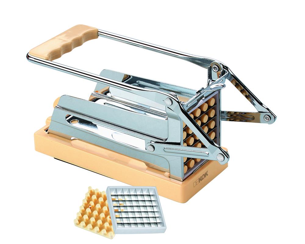 Устройство для резки картофеля фри DekokUKA-1312Устройство для резки без особых хлопот позволяет нарезать необходимое количество картофеля фри и овощей в считанные секунды! Величина нарезки регулируется с помощью сменных насадок-решеток на 25 и 36 ячеек. Вакуумная присоска надежно крепит устройство к гладкой и ровной поверхности.Кухонные устройства Dekok отличают:инновационность - новый взгляд на привычные приспособления, возможность их настроек и регулировок;многофункциональность - во многих изделиях идеально воплощен принцип все в одном;индивидуальный подход - различные варианты комплектаций и размеров кухонных устройств позволят подобрать инструмент с учетом индивидуальных потребностей. Dekok - готовьте с любовью! Размер устройства: 19 x 11 x 8,5 см.Размер насадок: 7 x 7 см.