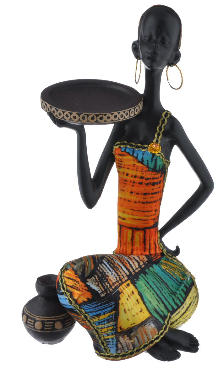 """Декоративная фигурка """"Африканка с подносом на плече"""", изготовленная из полирезина,  достойно украсит интерьер вашего дома или офиса. Она выполнена в виде африканской девушки  в национальной одежде с подносом на плече.  Вы можете поставить украшение в любом месте, где оно будет удачно смотреться и радовать  глаз. Кроме того, это отличный вариант подарка для ваших близких и друзей."""