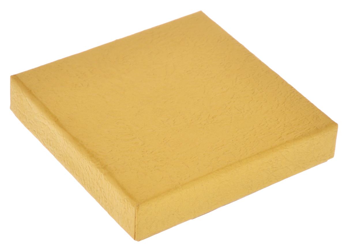 Подарочная коробка Феникс-презент, цвет: золотисто-песочный, 9 х 9 х 2 см36280Подарочная коробка Феникс-презент выполнена из мелованного, негофрированного картона. Коробка вместительная, закрывается крышкой.Подарочная коробка - это наилучшее решение, если вы хотите порадовать ваших близких и создать праздничное настроение, ведь подарок, преподнесенный в оригинальной упаковке, всегда будет самым эффектным и запоминающимся. Окружите близких людей вниманием и заботой, вручив презент в нарядном, праздничном оформлении.