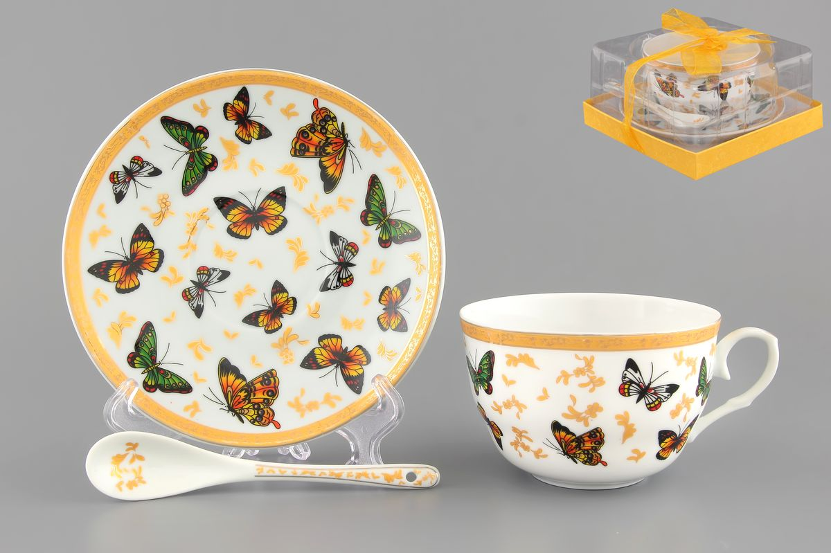 Чайная пара Elan Gallery Бабочки, 250 мл, 3 предмета730474Чайная пара Elan Gallery Бабочки состоит из чашки, блюдца и ложечки,изготовленных из высококачественной керамики. Предметы набора оформлены изображением цветных бабочек. Чайная пара Elan Gallery Бабочки украсит ваш кухонный стол, а такжестанет замечательным подарком друзьям и близким.Изделие упаковано в подарочную коробку с атласной лентой. Объем чашки: 250 мл.Диаметр чашки по верхнему краю: 9,5 см.Высота чашки: 6 см.Диаметр блюдца: 14 см.Длина ложки: 13 см.