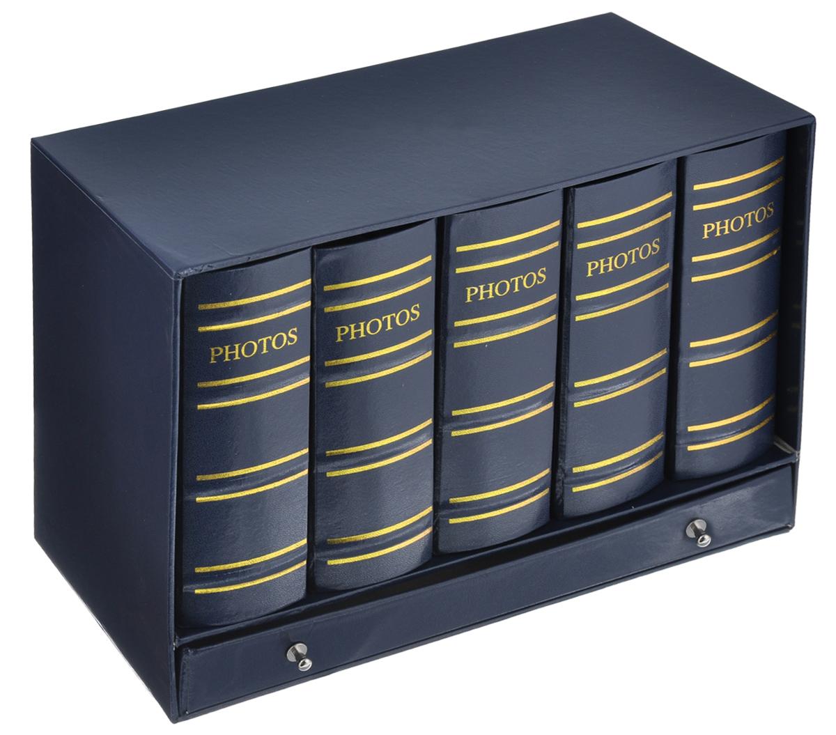 """Набор Image Art """"Библиотека"""", состоящий из пяти фотоальбомов, поможет красиво оформить ваши  фотографии. Обложки фотоальбомов выполнены из толстого картона, обтянутого искусственной  кожей. Внутри содержится блок из 50 листов с фиксаторами-окошками  из ПВХ. Каждый альбом рассчитан на 100 фотографий формата 10 см х 15 см.   Альбомы вставляются в подарочную коробку, оснащенную ящиком для хранения различных мелочей. Нам всегда так приятно вспоминать о самых счастливых моментах жизни, запечатленных на  фотографиях. Поэтому фотоальбом является универсальным подарком к любому празднику.  Количество альбомов: 5 шт. Количество листов в одном альбоме: 50 шт. Число мест для фотографий в одном альбоме: 100 шт. Размер фотоальбома: 12,5 см х 6 см х 16,5 см."""