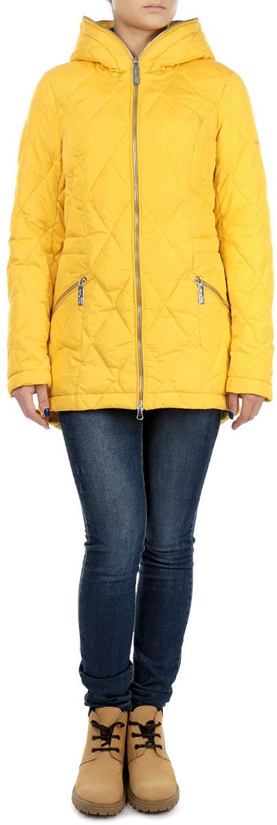 Куртка женская Finn Flare, цвет: желтый. W15-32003. Размер XS (42)W15-32003Стильная женская куртка Finn Flare отлично подойдет для холодной погоды. Модель приталенного силуэта с несъемным капюшоном и длинными рукавами застегивается на застежку-молнию по всей длине. Куртка оформлена эффектной стежкой и дополнена двумя втачными карманами на молнии. С внутренней стороны по линии талии модель дополнена эластичной резинкой на стопперах. Эта модная куртка послужит отличным дополнением к вашему гардеробу.