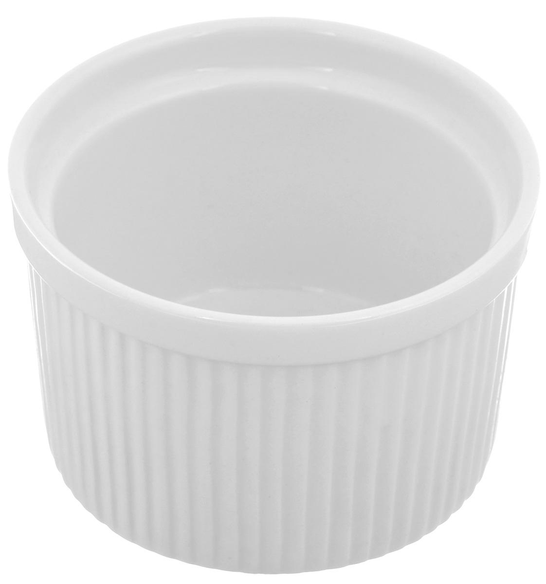 Порционная форма для выпечки BergHOFF Bianco, круглая, цвет: белый, диаметр 10 см1691251Порционная форма для выпечки BergHOFF Bianco изготовлена из высококачественного фарфора с глазурованной поверхностью. Форму можно использовать для приготовления блюд, таких как крем-брюле, жульен, маффины и прочее. Изделие термоустойчиво, поверхность сохраняет свой цвет, а пища естественный аромат. Материал мягко проводит тепло для равномерного запекания.Подходит для мытья в посудомоечной машине.Диаметр формы: 10 см.Высота формы: 6,5 см.