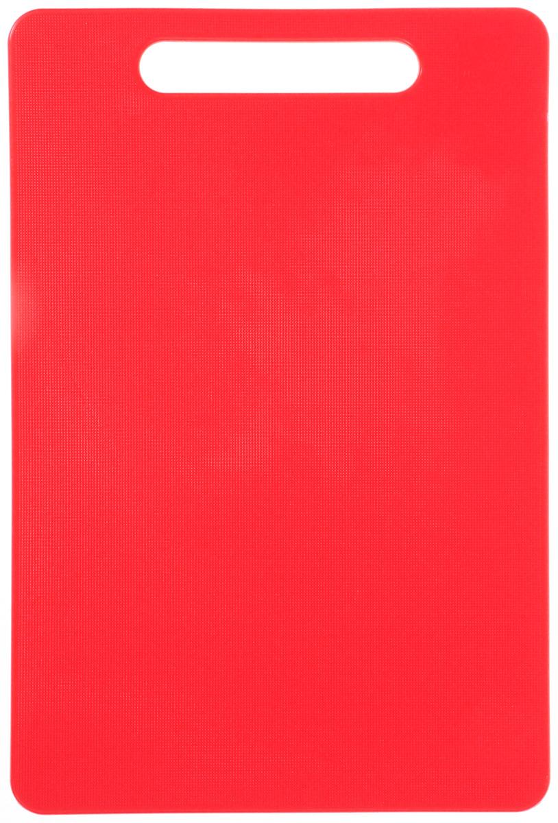 Доска разделочная Kesper, цвет: красный, 29 х 19,5 см3047-3Яркая разделочная доска Kesper прекрасно подходит для нарезкивсех видов продуктов. Изготовлена из одноцветного прочного пластика. Доска с ручкой.Можно мыть в посудомоечной машине.
