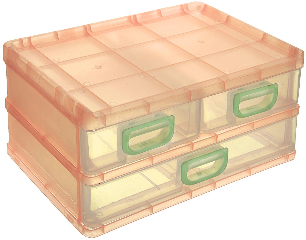 Контейнер для мелочей изготовлен из пластика. Изделие содержит три выдвижных ящичка, где можно хранить швейные принадлежности, рыболовные снасти, мелкие детали и другие бытовые мелочи. Ящички прозрачные, что позволяет видеть их содержимое.  Такой контейнер поможет держать вещи в порядке.