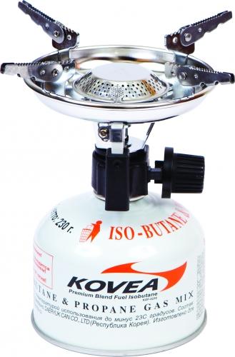 Горелка газовая Kovea Scout Stove ТКВ-8911-120-5-035Газовая горелка Kovea TKB-8911-1 Scout Stove - популярная туристическая газовая горелка с пьезоподжигом. Благодаря увеличенному размеру головки, пламя горелки рассеивается, что уменьшает вероятность пригорания пищи.Раскладные лапки конфорки позволяют использовать посуду большого размера и приготовить пищу для нескольких человек. Теплоотражающий экран круглой формы экономит топливо и эффективно отражает тепло газовой горелки на дно посуды, увеличивая тем самым КПД.Она работает от газового баллона резьбового стандарта, но возможно и подсоединение к цанговому газовому баллону при помощи адаптера со шлангом Cobra. Данные аксессуары приобретаются отдельно.Комплектация: горелка, пластиковый кофр для хранения, инструкция по эксплуатации.Мощность: 1,53 кВт.Вес: 290 г.Топливо: газ.Расход топлива: 160 г/ч.Размер (в походном положении): 122 мм x 100 мм x 125 мм. Диаметр конфорки: 18 см.
