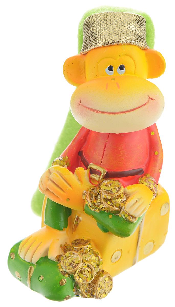 Сувенир Sima-land Обезьянка в колпаке на подарке, высота 9 см