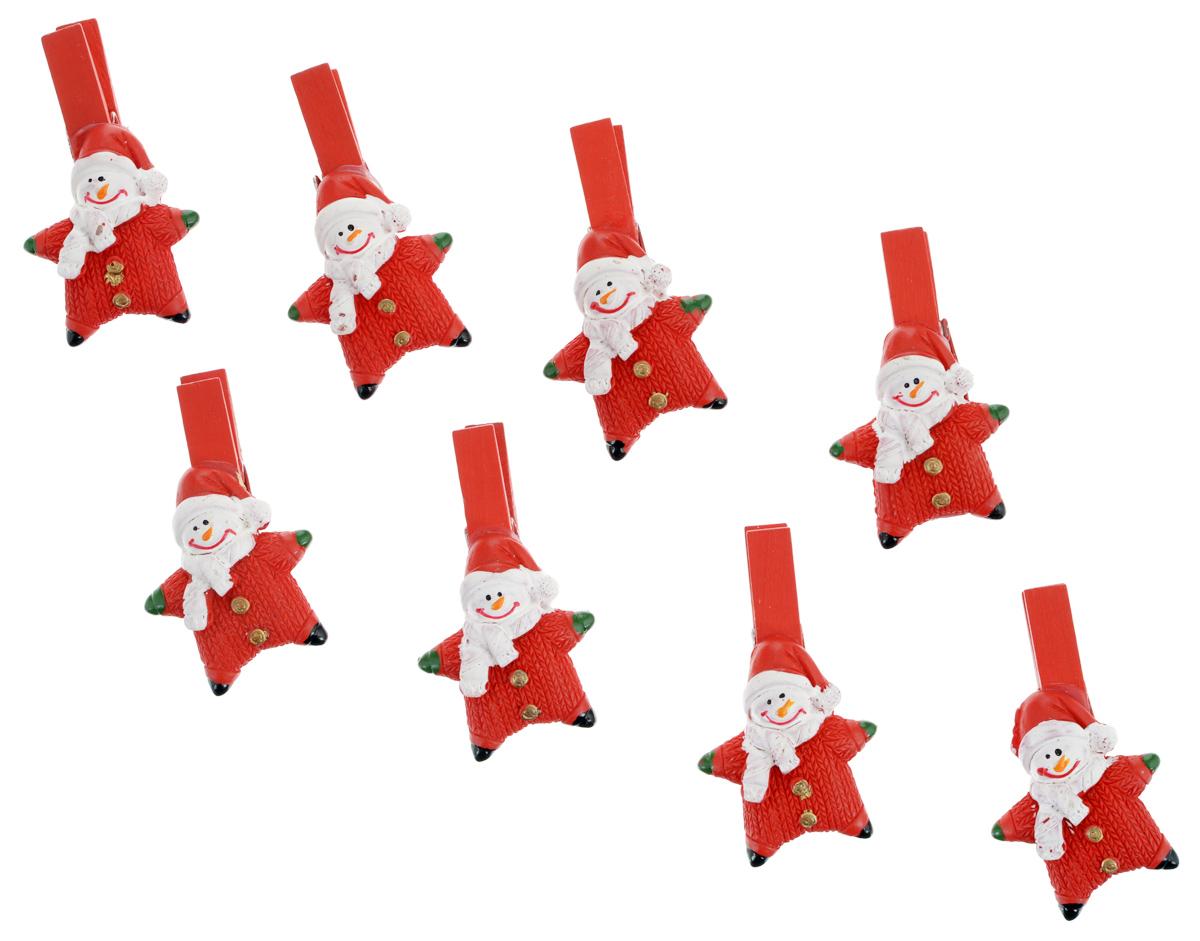 Набор декоративных прищепок Феникс-презент Снеговик-звездочка, 8 шт38487Набор Феникс-презент Снеговик-звездочка состоит из 8 декоративных прищепок, выполненных из дерева. Прищепки оформлены декоративными фигурками из полирезины в виде забавного снеговика. Изделия используются для развешивания стикеров на веревке, маленьких игрушек, а оригинальность и веселые цвета прищепок будут радовать глаз и поднимут настроение. Размер прищепки: 5 см х 1,5 см х 3 см.
