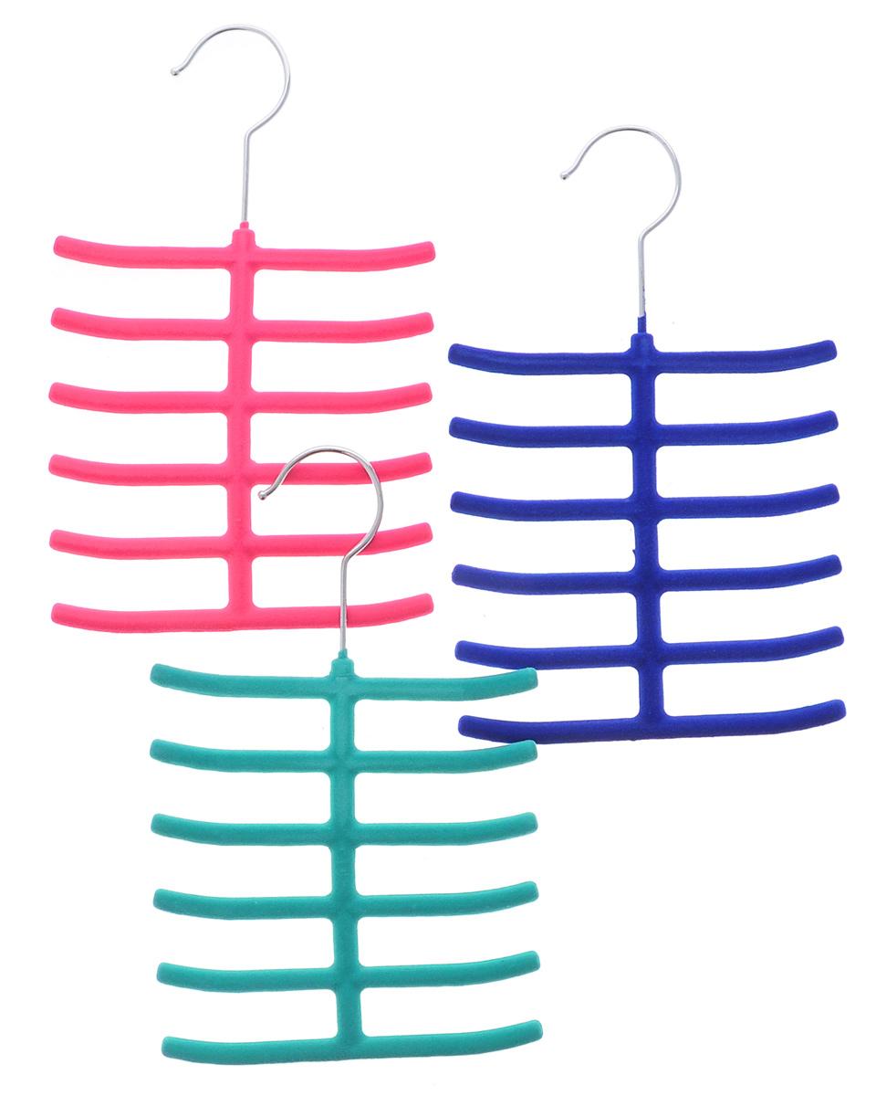 Набор вешалок для аксессуаров El Casa, цвет: зеленый, розовый, синий, ширина 16 см, 3 шт150041Набор разноцветных вешалок El Casa, изготовленный из пластика, имеет велюровое антискользящее покрытие. Благодаря перекладине и выемкам изделия подходят для универсального использования. Они безупречно справятся с хранением не только мужских, но и женских аксессуаров.Вешалка - это незаменимая вещь для того, чтобы ваша одежда всегда оставалась в хорошем состоянии.Комплектация: 3 шт.Размер вешалки: 26 см х 16 см х 0,8 см.