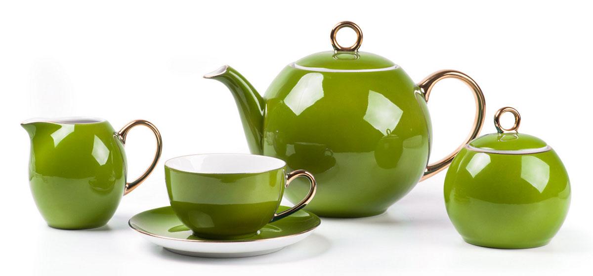 Monalisa 3128 чайный сервиз 15 пр, цвет: фисташковый с золотом5595113128Чайник 1 л, сахарница 230мл, молочник 230мл, чайная пара 210 мл *6 штук. Фарфор фабрики Tunisie Porcelaine, производится в Тунисе из знаменитой своим качеством и белизной глины, добываемой во французской провинции Лимож.Преимущества этого фарфора заключаются в устойчивости к сколам и трещинам, что возможно благодаря двойному термическому обжигу. Европейский дизайн, декор и формы обеспечиваются за счет тесного сотрудничества фабрики с ведущими мировыми дизайн-бюро такими как: Nelly Reynal, Yves De la Rosiere, Sarah Anderson, Heracles. Материал: фарфор: цвет: фисташковый с золотомСерия: MONALISA