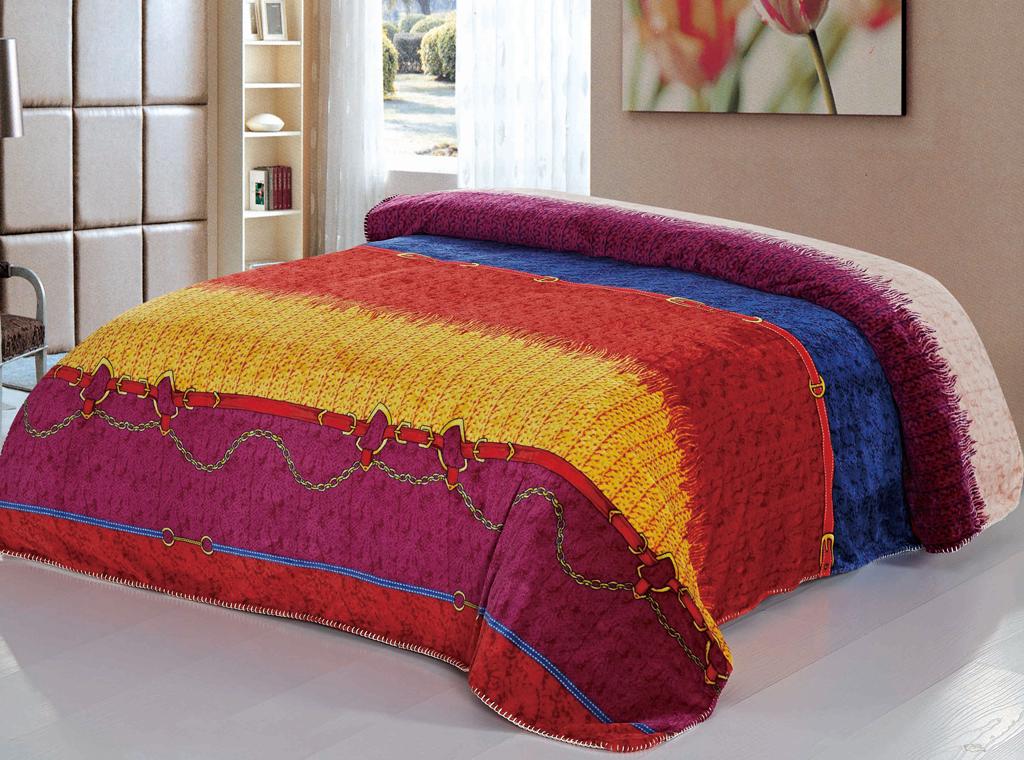 Плед SL, цвет: красный, 160 х 200 см. 1040110401Роскошный плед SL гармонично впишется в интерьер вашего дома и создаст атмосферу уюта и комфорта. Плед выполнен из мягкого и приятного на ощупь флиса (100% полиэстер). Высочайшее качество материала гарантирует безопасность не только взрослых, но и самых маленьких членов семьи.Плед - это такой подарок, который будет всегда актуален, особенно для ваших родных и близких, ведь вы дарите им частичку своего тепла!