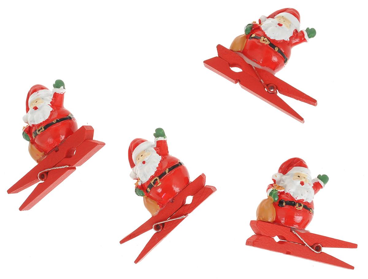 Новогодняя прищепка Феникс-презент Дед Мороз с мешочком, 4 шт38477Новогодние прищепки Феникс-презент Дед Мороз с мешочком выполнены из древесины березы и украшены веселыми фигурками из полирезины. Изделия используются для развешивания стикеров на веревке и маленьких игрушек, также прекрасно подойдут для декора новогодней ели. Оригинальность и веселые цвета прищепок будут радовать глаз и создадут праздничное настроение в преддверии Нового года. Размер фигурки: 3 см х 2,5 см х 2 см.