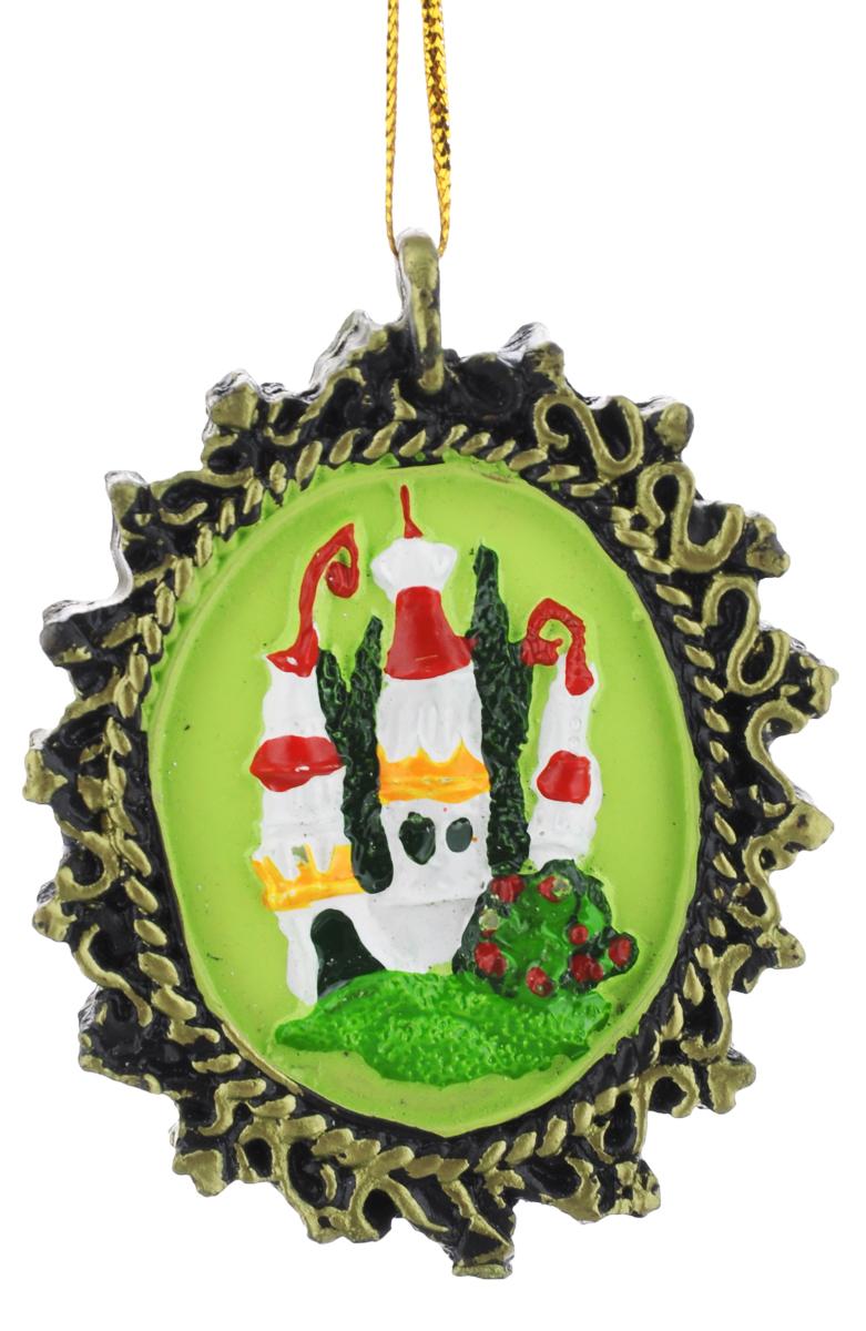 Новогоднее подвесное украшение Феникс-Презент, 7 х 5,5 см38264Новогоднее подвесное украшение Феникс-Презент отлично подойдет для декора праздничной ели. Изделие выполнено из полирезины. Украшение оснащенопетелькой для подвешивания. Елочная игрушка - символ Нового года. Она несет в себе волшебство и красоту праздника. Создайте в своем доме атмосферу веселья и радости, украшая новогоднюю елку нарядными игрушками, которые будут из года в год накапливать теплоту воспоминаний.