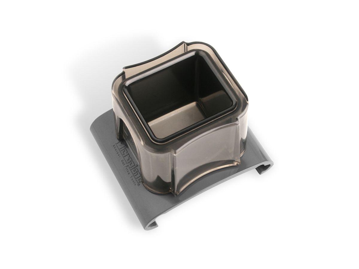 Насадка-слайдер для терки Microplane, цвет: черный. 4405744057Насадка-слайдер Microplane выполнена из пластика и предназначена для защитырук при натирании мелких продуктов - чеснока, специй, редиса, орехов и прочего.Такой уникальный предмет станет незаменимым помощником на вашей кухнеи понравится любой хозяйке. Можно мыть в посудомоечной машине.
