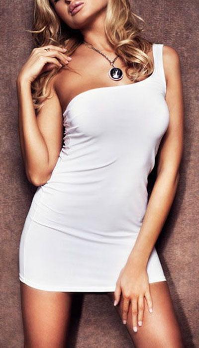 Платье гоу-гоу Erolanta Elite Collection, цвет: белый. 9607. Размер M/L (44/46)9607Обтягивающее платье Erolanta Elite Collection, выполненное из высококачественного материала, дерзкое и сексуальное. Модель с открытым плечом из полупрозрачной ткани обеспечивает идеальную посадку по фигуре.