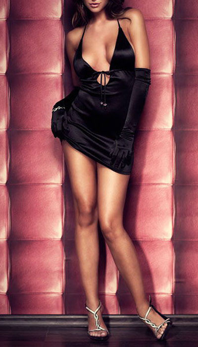 Платье гоу-гоу Erolanta Elite Collection, цвет: черный. 9608. Размер M/L (44/46)9608Обтягивающее платье Erolanta Elite Collection, выполненное из высококачественного материала, дерзкое и сексуальное. Модель из мягкого атласа с завязочками на шее и полуоткрытой спиной имеет глубокое декольте, которое также регулируется завязками под грудью. Завязки украшены контрастными бусинами.