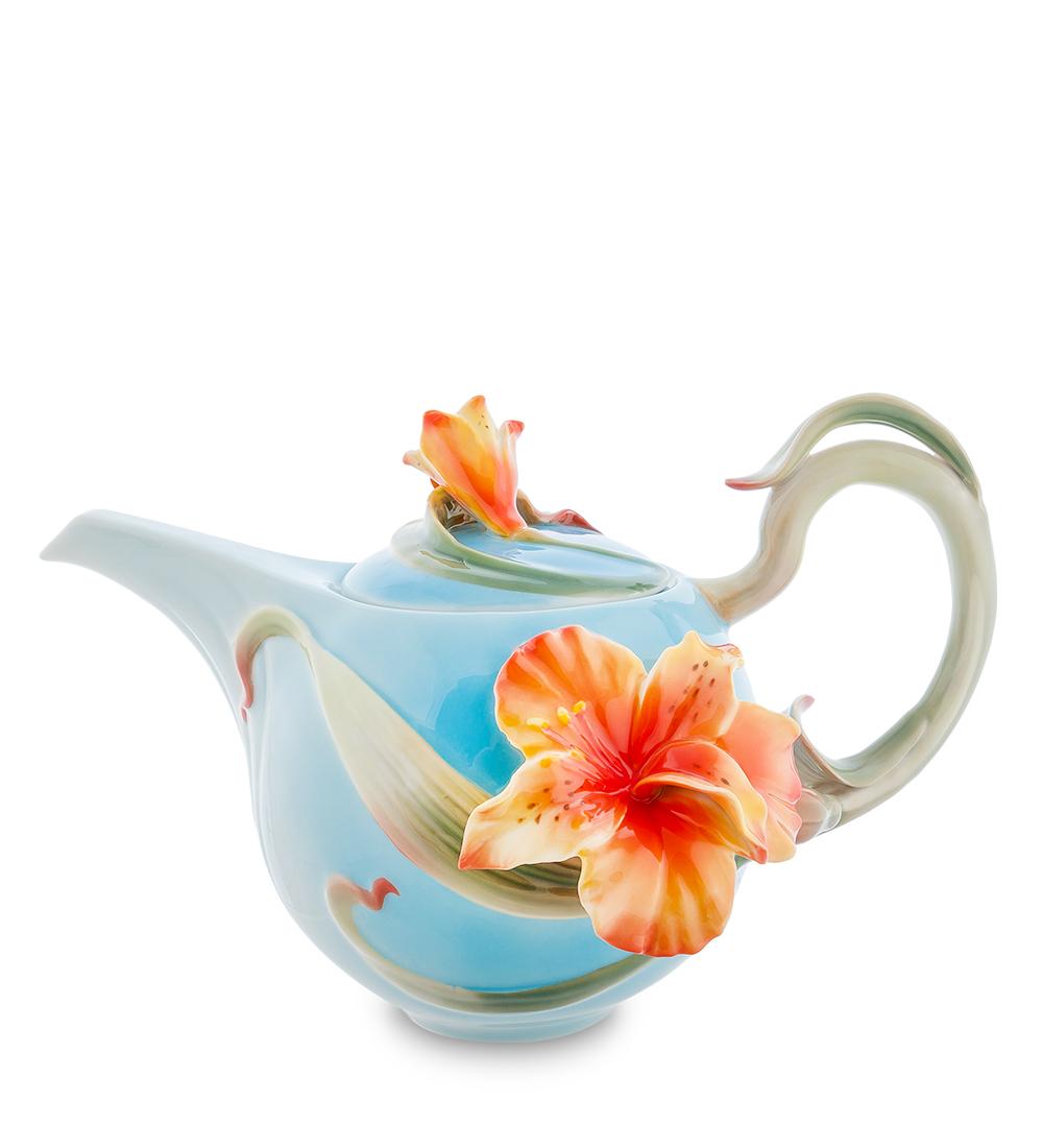 Чайник заварочный Pavone Лилии, 1,1 л103804Заварочный чайник Pavone Лилии изготовлен из высококачественного фарфора, покрытого сверкающей глазурью. Изделие имеет необыкновенный дизайн, чайник декорирован объемной фигуркой желтой лилии, ручка выполнена в виде вьющегося стебля. Чайник имеет носик оригинальной формы, который позволяет очень удобно наливать чай в кружку, а также крышку с ручкой в виде цветка. Гармоничное сочетание изысканности и функциональности делает этот чайник отличным приобретением для кухни. Он прекрасно дополнит стол к чаепитию и удивит ваших гостей необычным дизайном. Это не столько заварочный чайник, сколько потрясающий сувенир, который станет отличным подарком к любому случаю. Высота чайника (без учета крышки): 12 см. Высота (с учетом крышки): 17 см. Диаметр (по верхнему краю): 9 см.