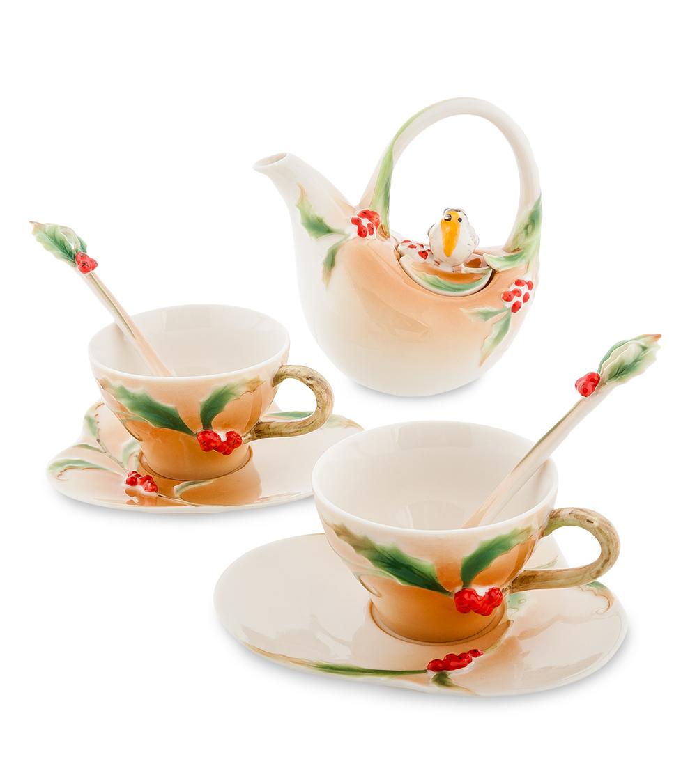 Чайный набор Pavone Пташка на падубе, 7 предметов104847Чайный набор Pavone Пташка на падубе, выполненный из высококачественного фарфора, состоит из 2 чашек, 2 блюдец, 2 чайных ложек и заварочного чайника. Предметы набора декорированы красивым изображением. Изделия прекрасно подойдут как для повседневного использования, так и для праздников. Набор Pavone Пташка на падубе - это не только яркий и полезный подарок для родных и близких, но и великолепное дизайнерское решение для вашей кухни или столовой. Объем чашки: 100 мл. Объем чайника: 200 мл.Высота чашки: 5 см. Длина блюдца: 13 см.Высота чайника: 13 см.