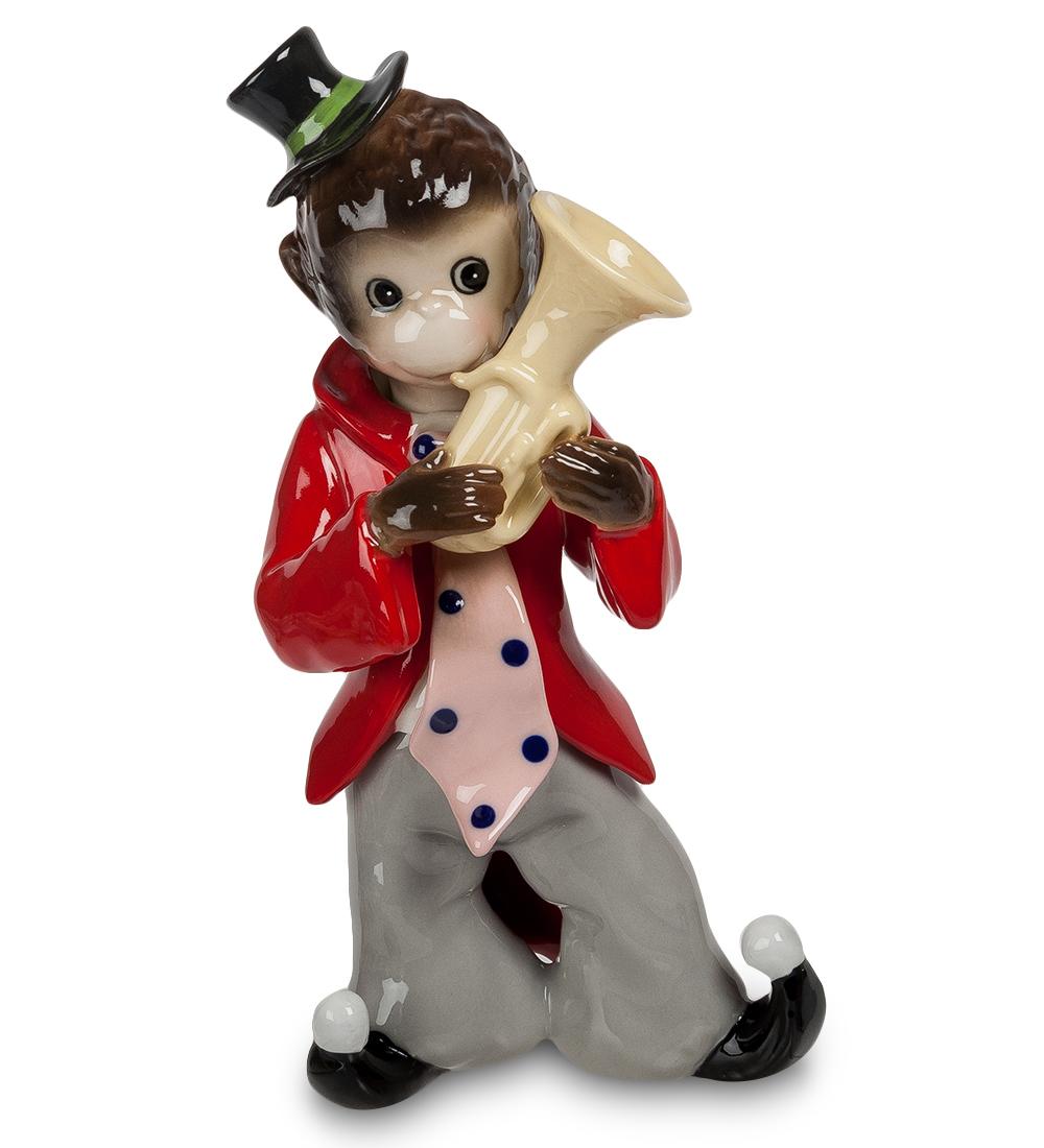 Фигурка декоративная Pavone Обезьяна. Клоун107354Декоративная фигурка Pavone Обезьяна. Клоун станет оригинальным подарком для всех любителей стильных вещей. Сувенир выполнен из высококачественного фарфора в виде обезьянки в клоунском наряде с трубой. Изысканный сувенир станет прекрасным дополнением к интерьеру. Вы можете поставить фигурку в любом месте, где она будет удачно смотреться и радовать глаз.