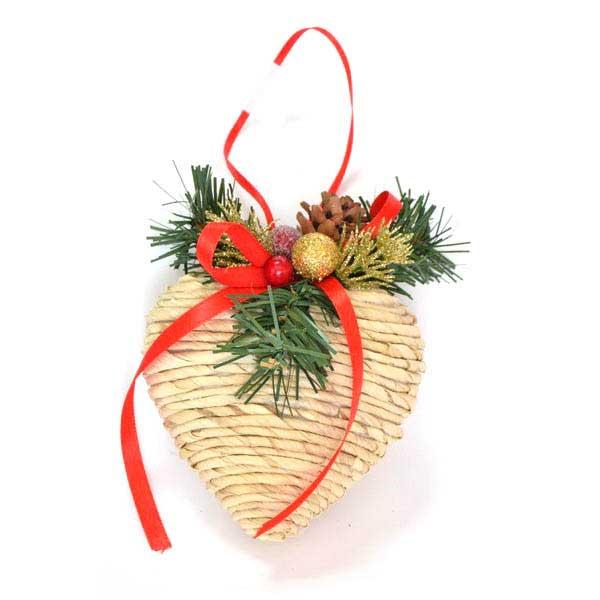 Украшение елочное подвесное Winter Wings Сердце. N180415N180415Новогоднее украшение Winter Wings Подвеска отлично подойдет для декорации вашего дома и новогодней ели. Украшение выполнено из полимера и соломы. С помощью специальной петельки украшение можно повесить в любом понравившемся вам месте.Елочная игрушка - символ Нового года. Она несет в себе волшебство и красоту праздника. Создайте в своем доме атмосферу веселья и радости, украшая всей семьей новогоднюю елку нарядными игрушками, которые будут из года в год накапливать теплоту воспоминаний.